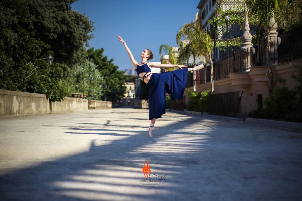 Manuela Ballerina Salto