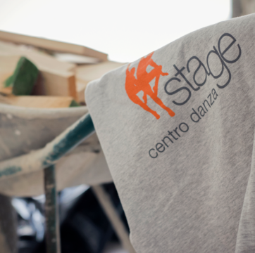 maglia con logo stage centro danza